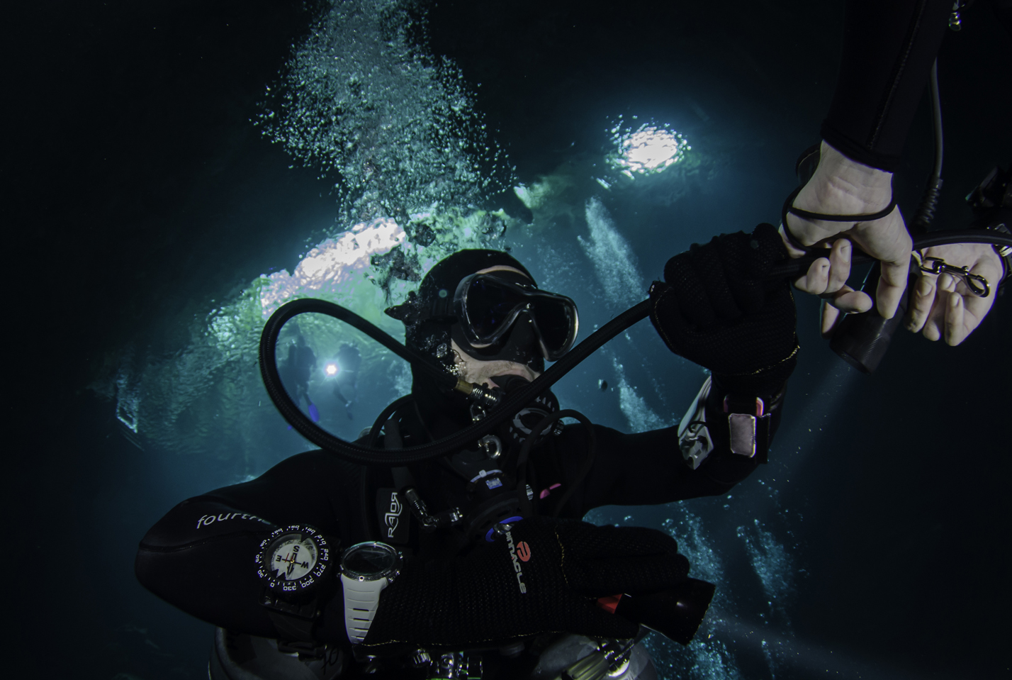 Air Sharing During a Stage Decompression Dive
