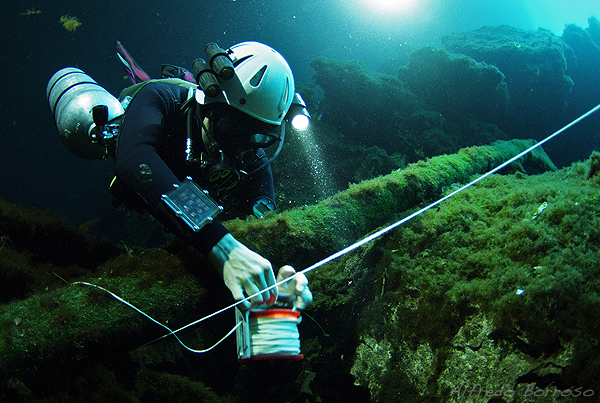 Cavern Diving Skills: Placing and Removing a Primary Reel