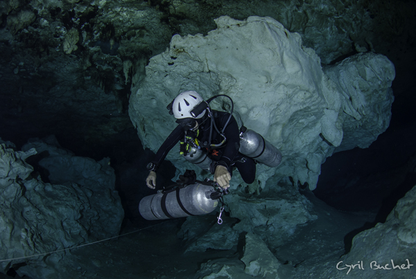 CHAN HOL CAVE DIVE